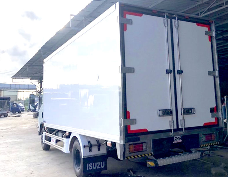 Thùng xe tải ISUZU đông lạnh 5t5