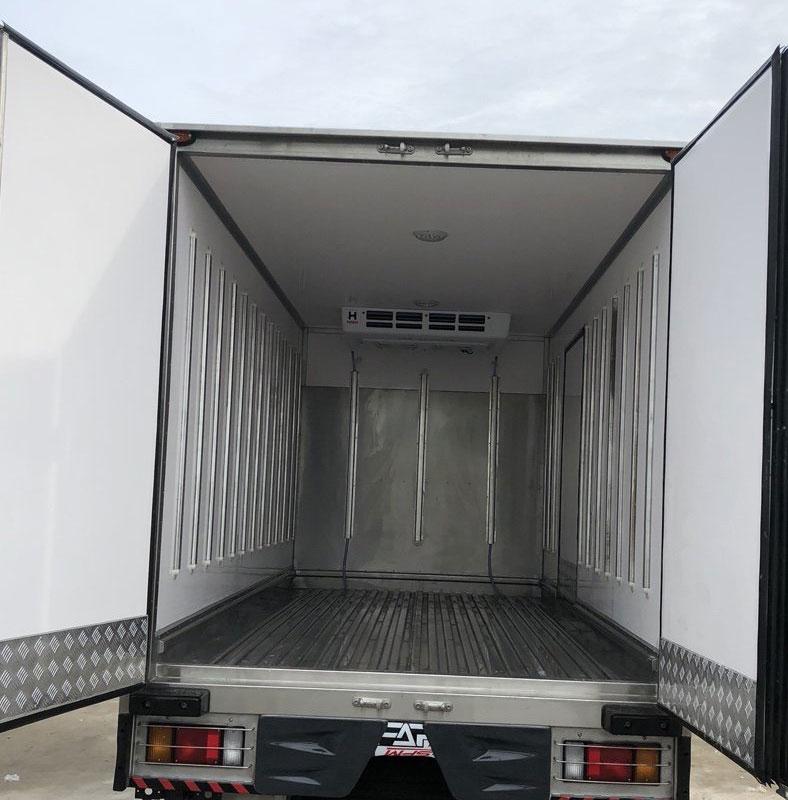 Lòng thùng xe tải Đông lạnh ISUZU QKR