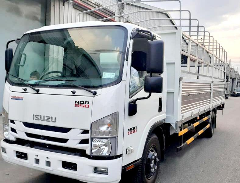 Xe tải ISUZU 5 tấn thùng kèo mui bạt NPR