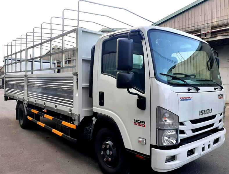 Xe tải thùng kèo mui bạt ISUZU 5 tấn, NQR 550