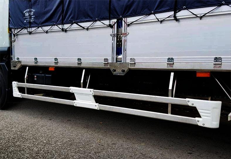 Hông xe tải ISUZU thùng mui bạt 9 tấn