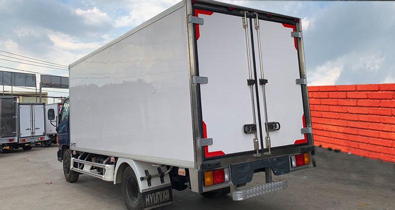 Đóng mới thùng xe tải đông lạnh Hyundai 7 tấn 110s