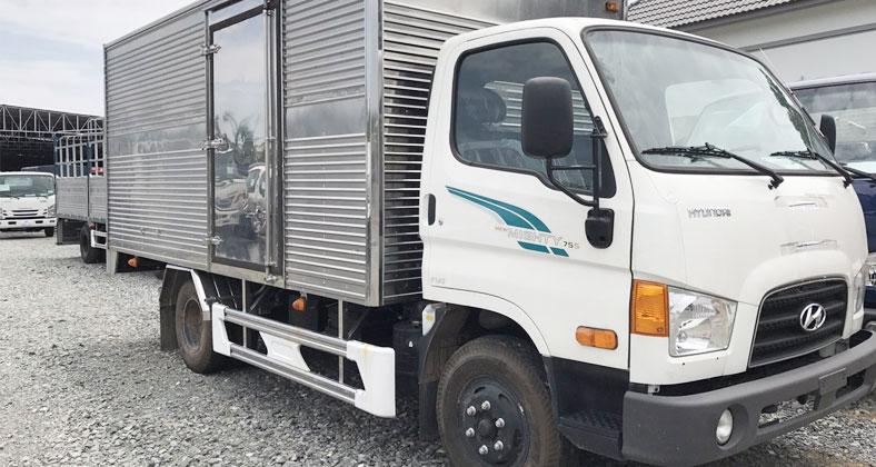 Xe tải thùng kín inox 7 tấn Hyundai 110s