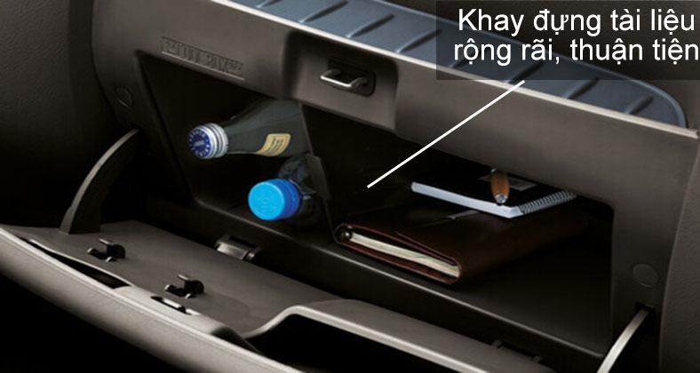 Hộc đựng đồ và khay để tài liệu trên cabin xe tải Hyundai H150