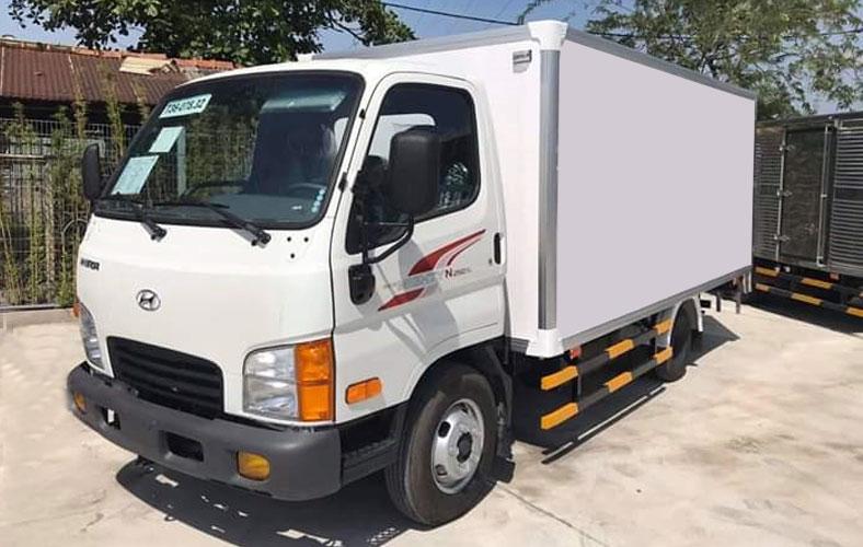 Xe tải thùng kín composite 2.5 tấn Hyundai N250SL