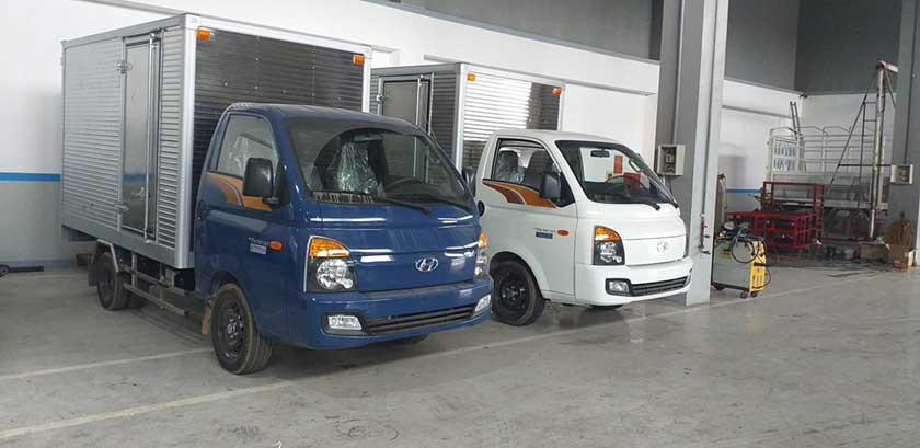 Xe tải thùng kín Hyundai H150 tải trọng 1t25 đến 1t4