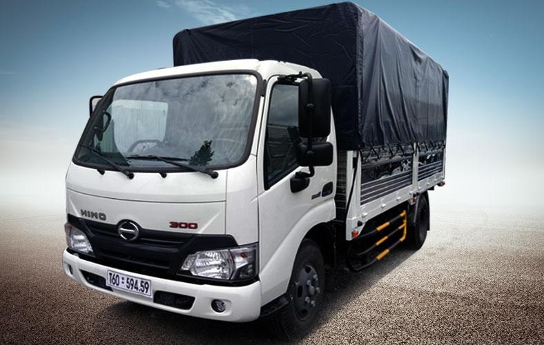 Xe tải HINO thùng mui bạt 1.9 tấn XZU650L