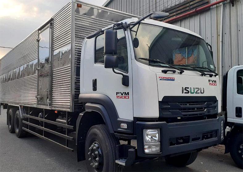 Xe tải thùng kín 15 tấn ISUZU FVM