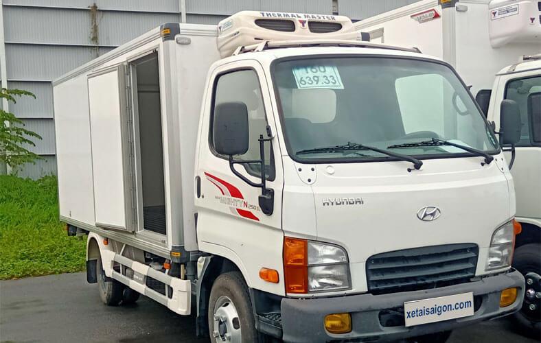 Đóng mới xe tải thùng đông lạnh 2.5 tấn Hyundai N250SL thùng dài
