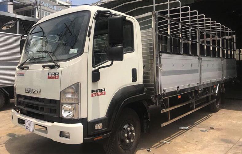 Xe tải ISUZU thùng mui bạt ISUZU FRR 650 tải trọng 6.5 tấn