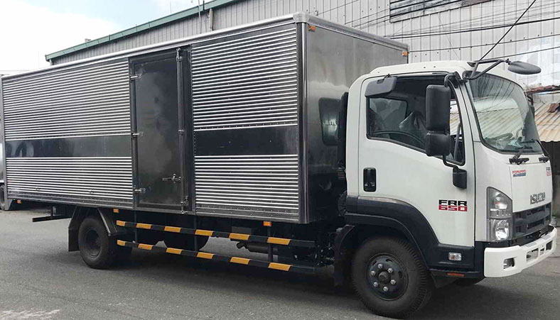 Xe tải ISUZU thùng kín inox 6 tấn FRR, đẹp, đóng theo yêu cầu