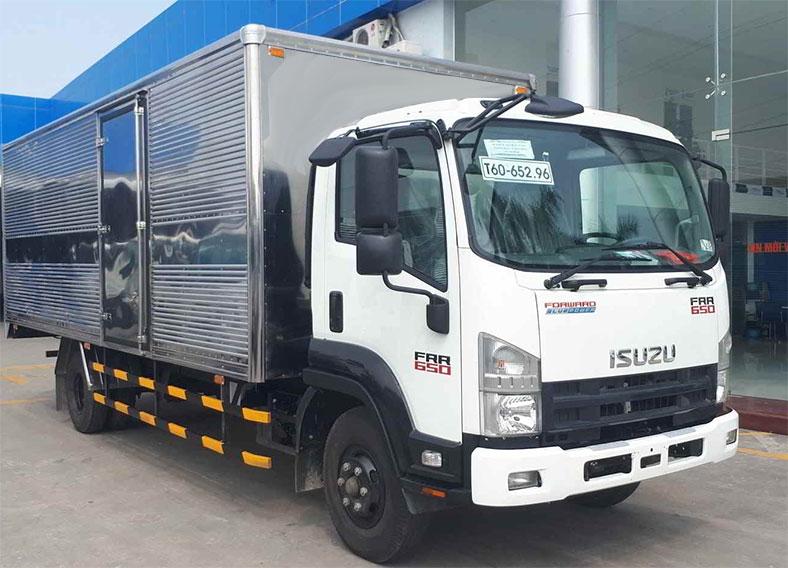 Xe tải ISUZU thùng kín 6.2 tấn