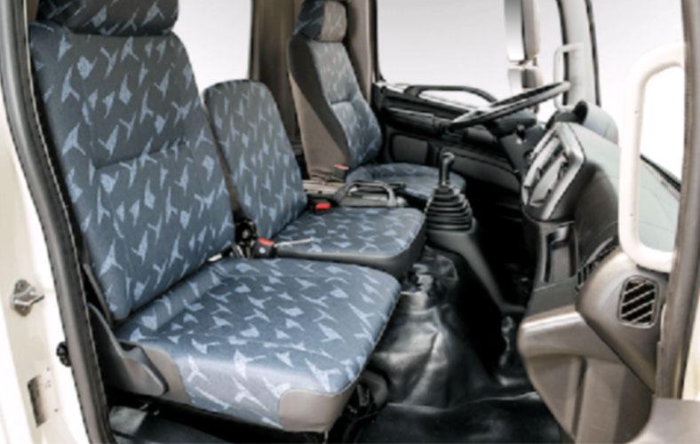 03 ghế ngồi khoang cabin xe tải HINO 300