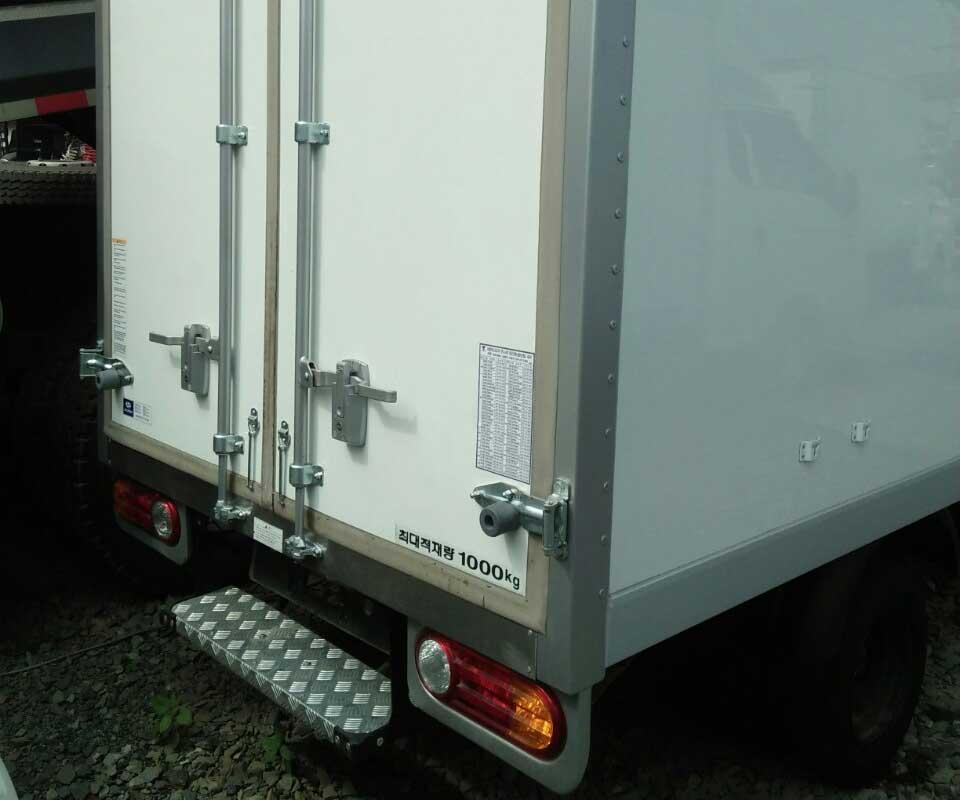 Đuôi xe tải đông lạnh Hyundai 1 tấn cũ