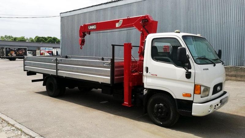 Xe tải Hyundai gắn cẩu Unic 5 tấn
