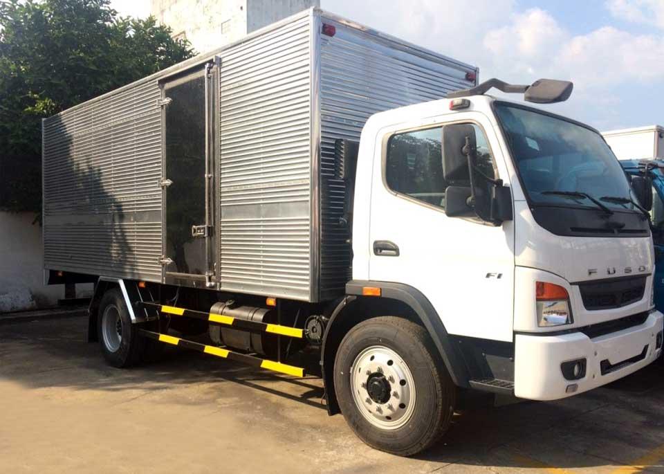 Xe tải 7.5 tấn FUSO thùng kín Nhật Bản