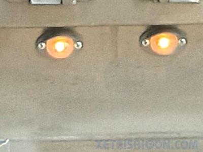 Đèn báo phía dưới đuôi thùng xe tải