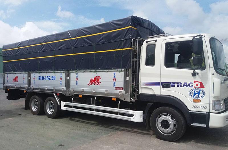 Xe tải thùng mui bạt chạy Bắc Nam đường trường