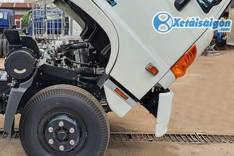 Xe tải Hino FC 6 tấn 4 với cabin lật