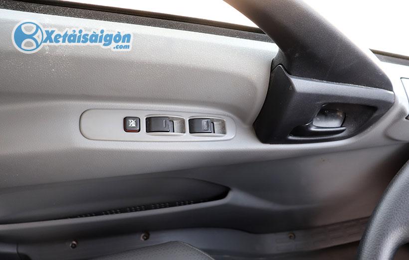 Cửa chỉnh điện trên xe tải Hino XZU730L