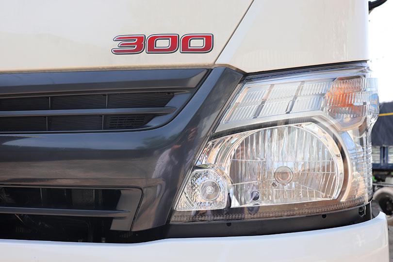 Cụm đèn pha của xe Hino 5 tấn
