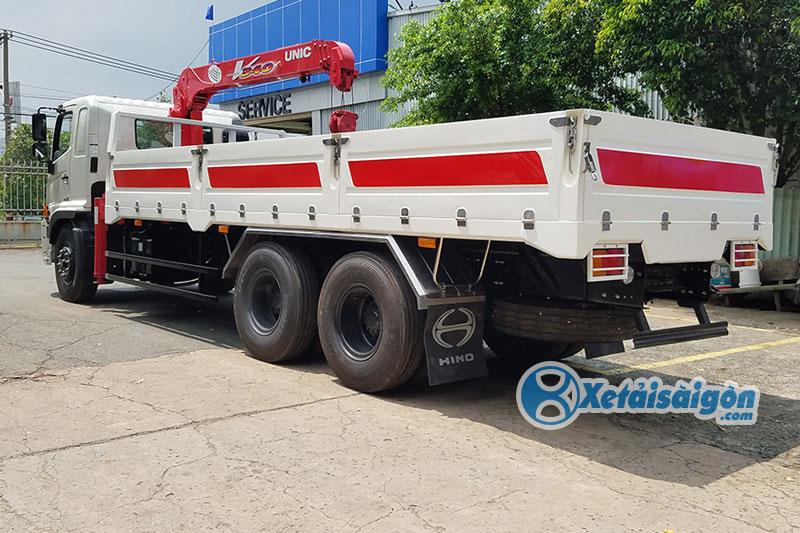 Xe tải thùng lửng gắn cẩu Unic