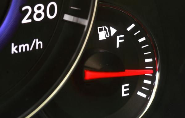 Kiểm tra mức độ tiêu hao nhiên liệu sau một thời gian sử dụng.