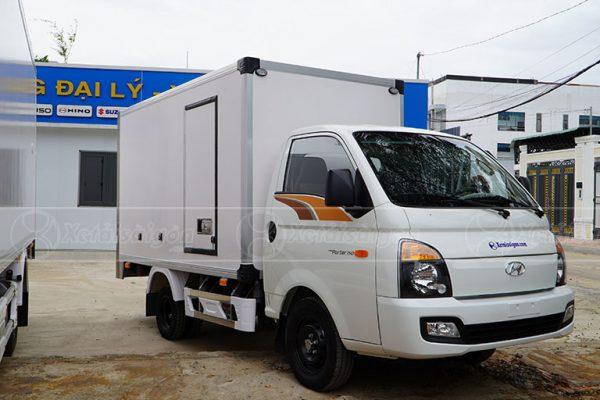 Xe Hyundai H150 Thùng Bảo Ôn 1.25 Tấn, Giá Rẻ, Bán Trả Góp