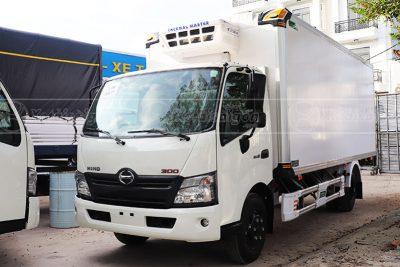Xe tải Hino XZU720L thùng đông lạnh