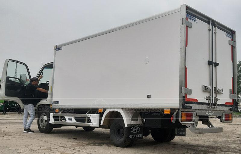 Xe tải đông lạnh 2 tấn Hyundai N250SL