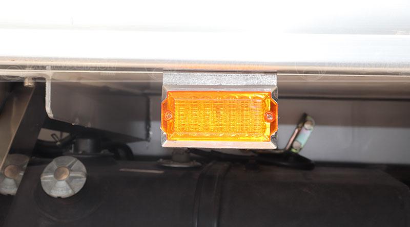 Đèn cảnh báo hông thùng