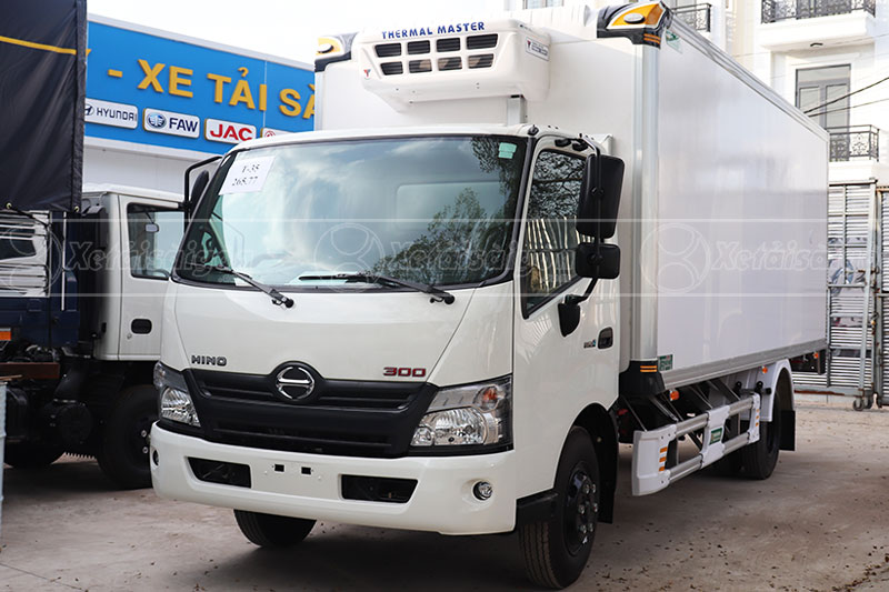 Xe tải đông lạnh 5 tấn Hino