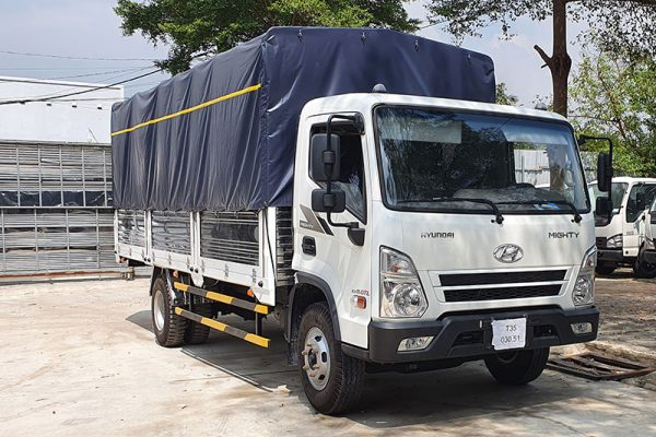 Xe Tải Thùng Mui Bạt Hyundai EX8, Bán Trả Góp