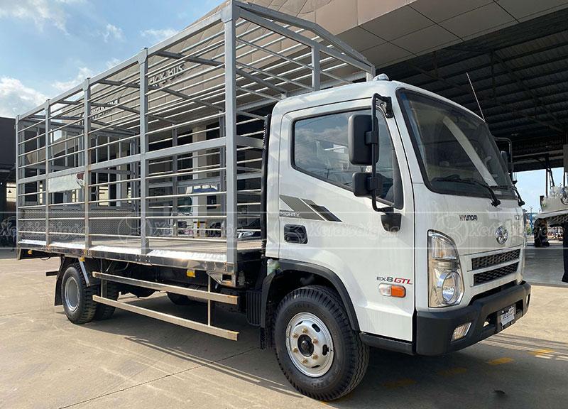 Đóng Thùng Xe Tải Hyundai EX8 GTL Chở Gà