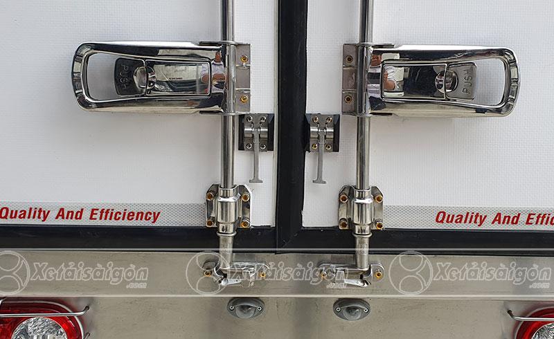 đuôi thùng xe tải đông lạnh với khóa hộp inox