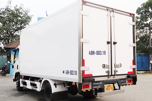 Đuôi thùng xe đông lạnh 3.5 tấn ISUZU