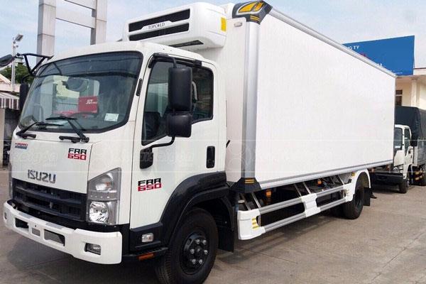 Xe tải Isuzu FRR650 Thùng Đông Lạnh Cao Cấp, 6 Tấn, Thùng 6m6