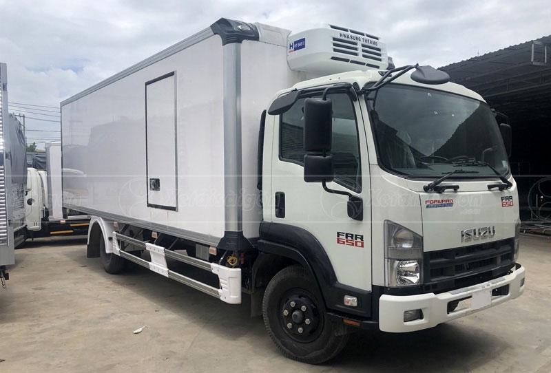 Xe tải Isuzu FRR90NE4 đông lạnh 6 tấn, Euro4