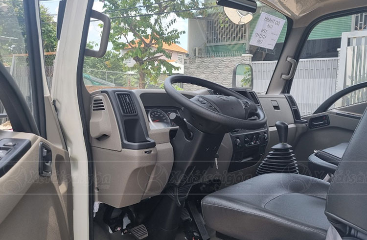 Khoang cabin xe tải IZ65