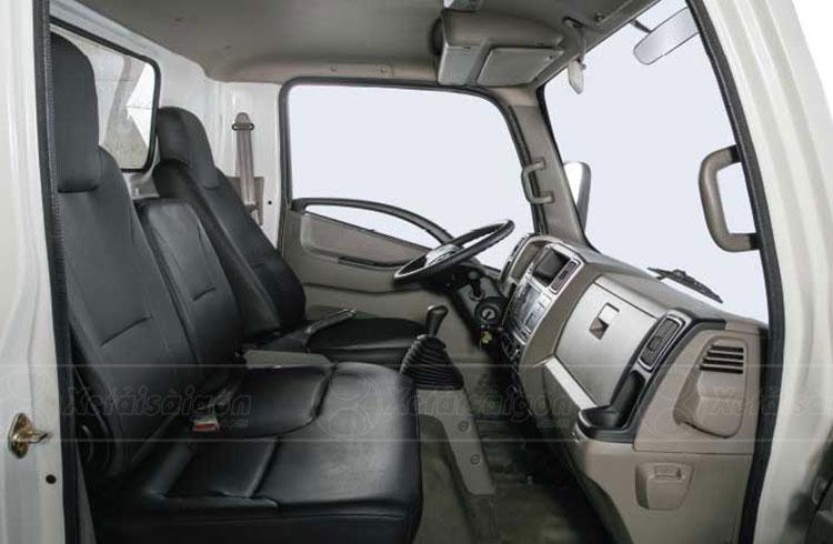 Khoang cabin 03 ghế của xe tải Đô Thành IZ65 Gold