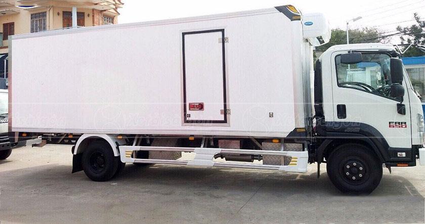 Xe Isuzu FRR90LE4 thùng đông lạnh